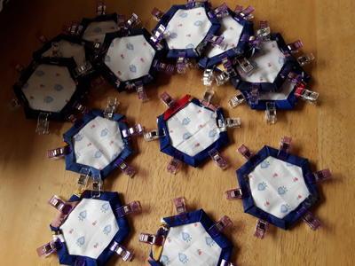 2. vik och gör i ordnin alla hexagoner med mellan lägg och allt. 3c9bfd33c5adf